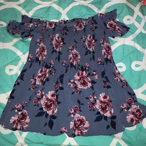 Pacsun Kendall and Kylie Size M Flower Blouse